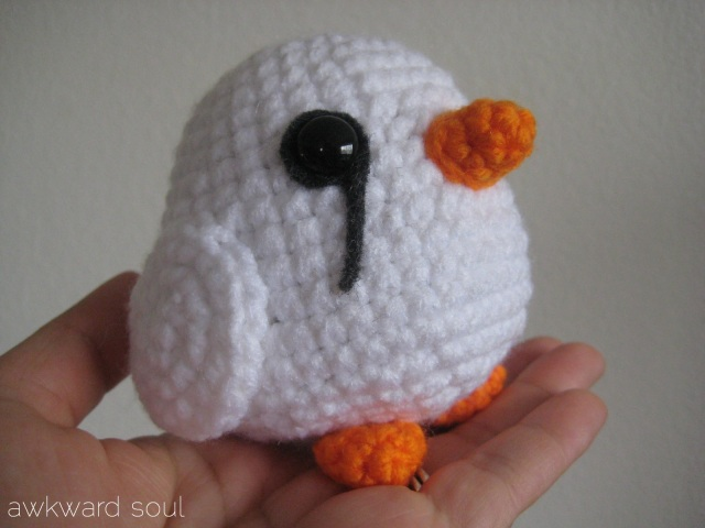 Amigurumi white finch by AwkwardSoul Designs (3)