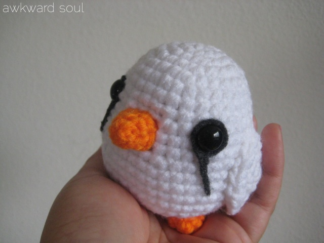 Amigurumi white finch by AwkwardSoul Designs (4)
